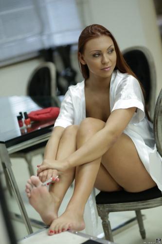 Ornella Morgan - Lacy Toe Tease (FullHD)