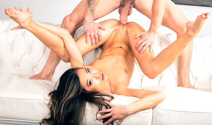 Vina Sky - Tiny Teen Vina Sky Gets Her Pussy Stretched 1080p